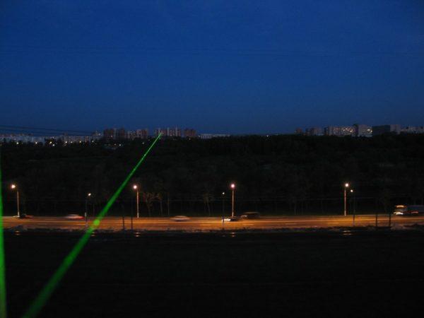 green-laser-pointer5.jpg